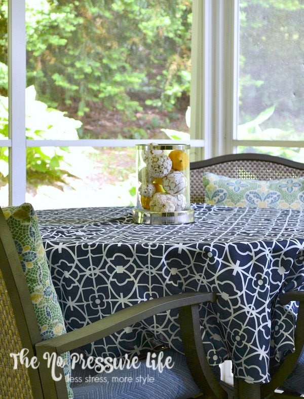 7 small porch decorating ideas on a budget for Small porch decorating ideas on a budget