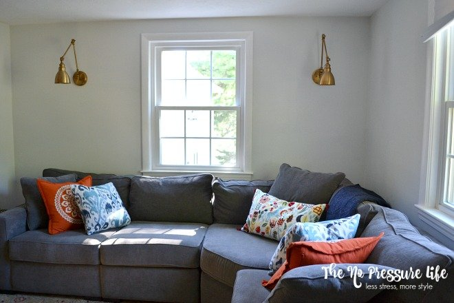 sectional-sofa-with-fall-pillows