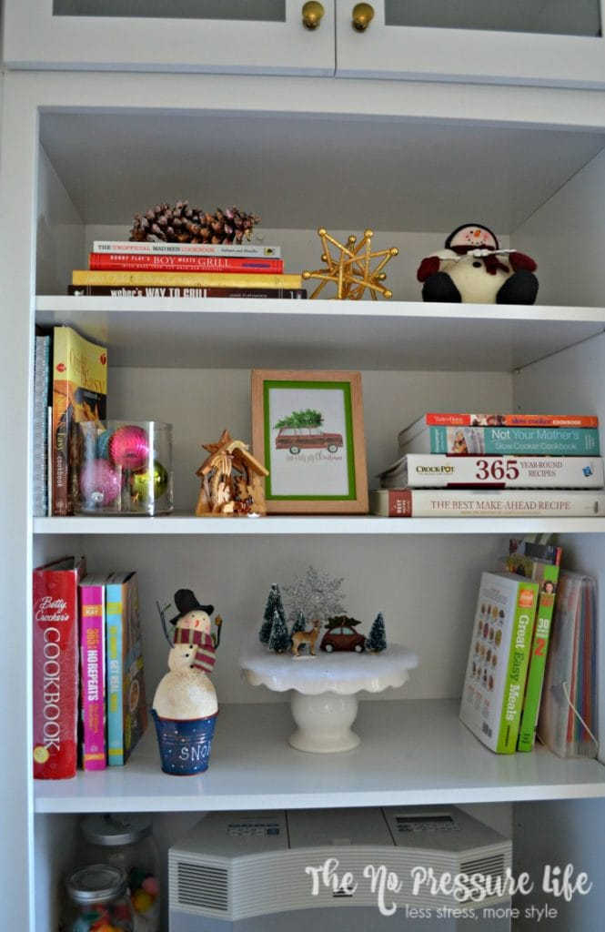 Simple Christmas decorating ideas for the kitchen. Christmas shelf decor. | The No Pressure Life