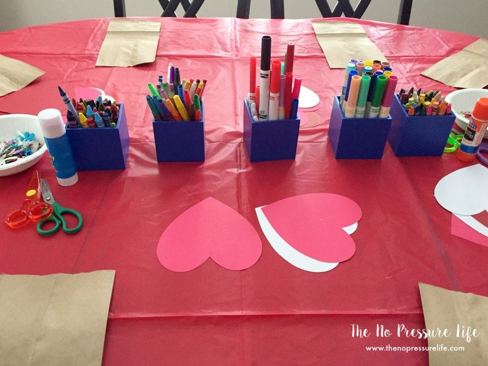 Kids Valentine's Day party ideas - Valentine's Day party crafts