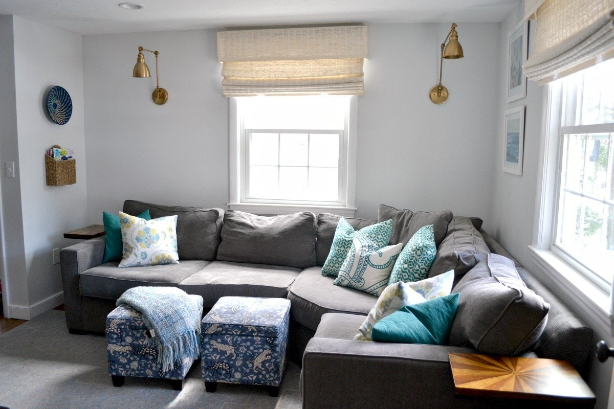 How to decorate behind a corner sectional sofa - ideas and tips