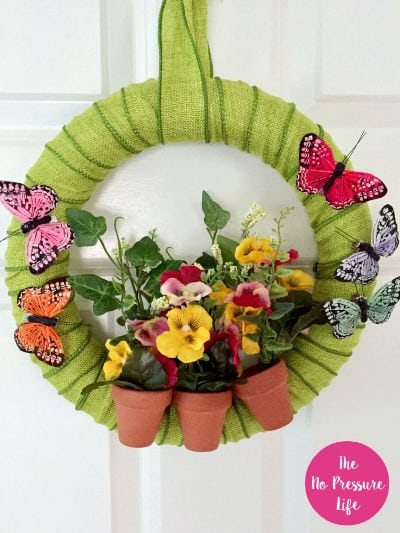 How to make a summer wreath - DIY summer wreath with butterflies